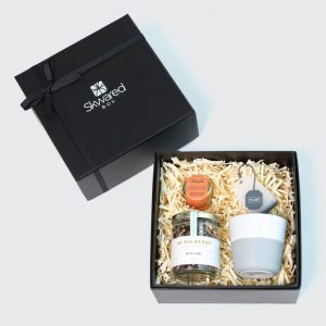 Gift box with tea products