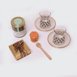 Gift box with Gold tea products